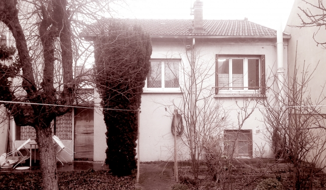 Maison avant travaux: façade sur jardin